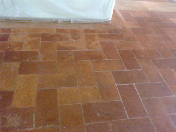 Trattamento pavimento in cotto guidetti marmo parquet for Cotto ferrone